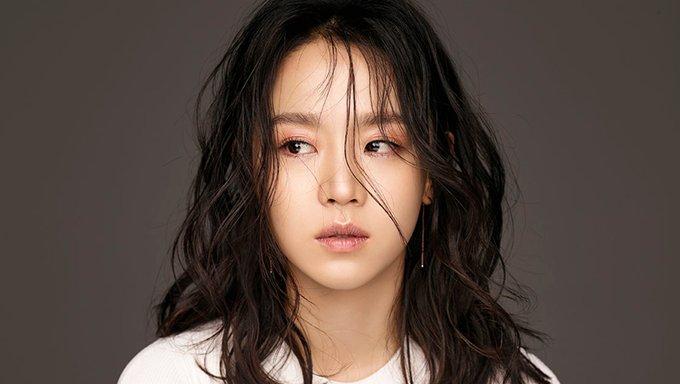 Shin Hyesun Profile Scene Stealer Elegant Actress Kpopmap