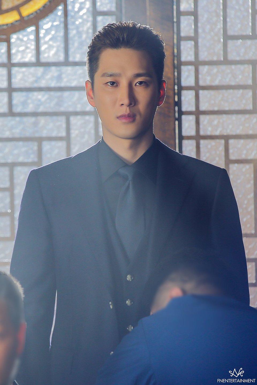 ahn bohyun   u201citaewon class u0026quot  drama poster behind shooting