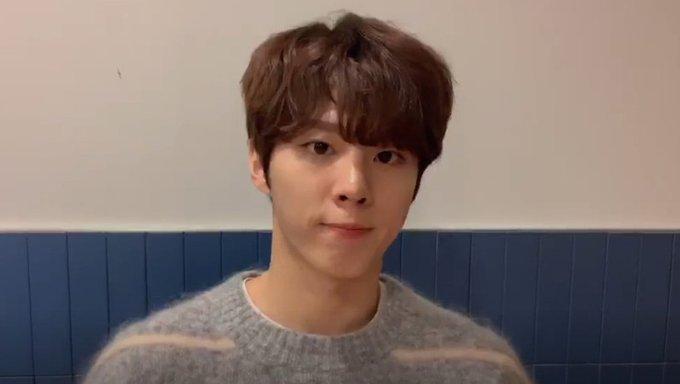 K Pop Fan Tips Basic Etiquette During A K Pop Idol V Live Session Kpopmap Kpop Kdrama And Trend Stories Coverage