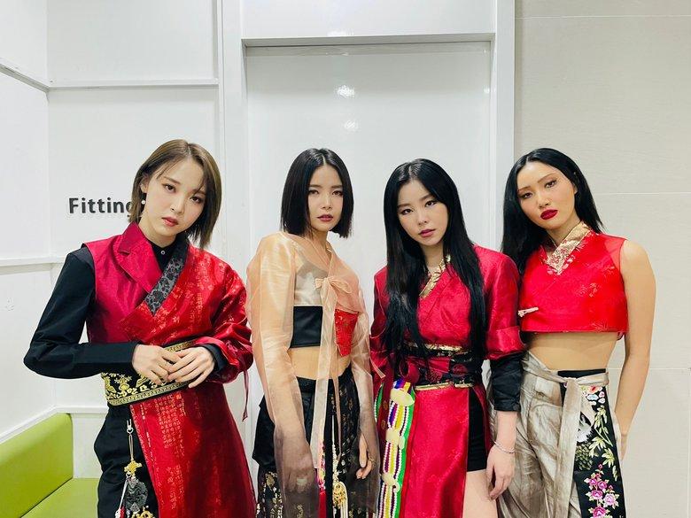 Top 5 Male & Female K-Pop Groups With Highest 1st Week Album Sales In 2020