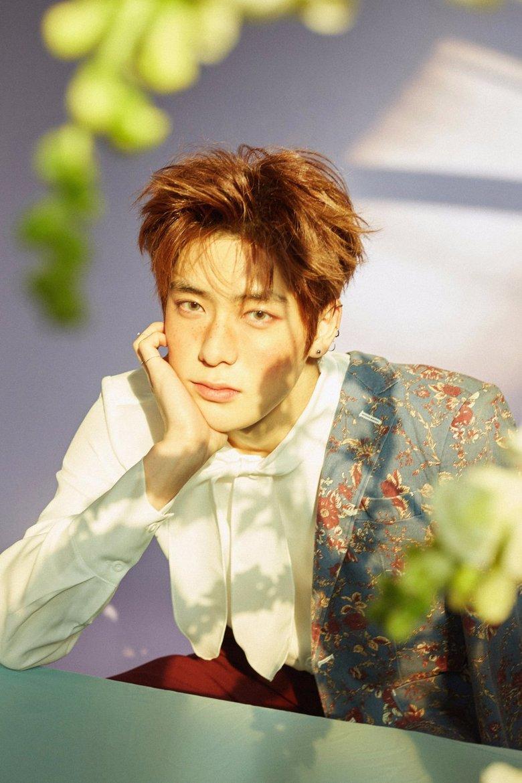 12 K-Pop Idols Who Rock The Sun Kissed Blush Look